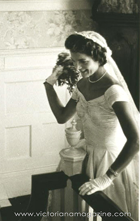 1950s wedding dress